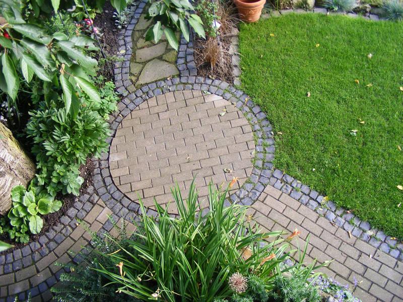 Garten und Landschaftsbau Hamm Melbert Pflasterarbeiten Gartenweg