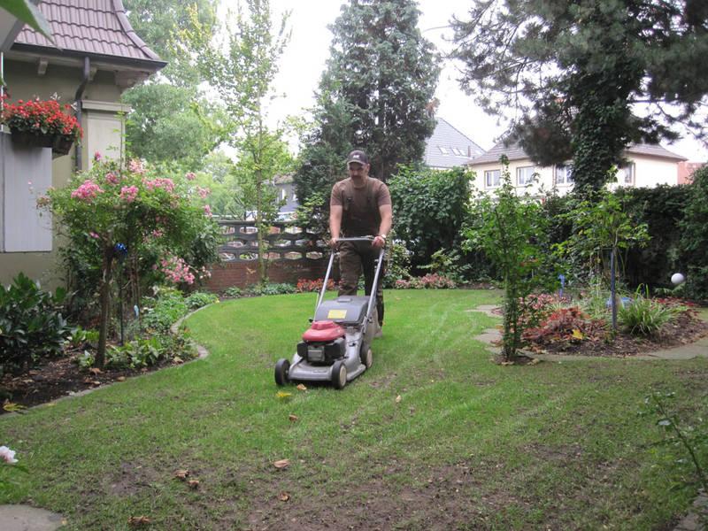 Garten und Landschaftsbau Hamm Melbert Gartenpflege Rasenmähen